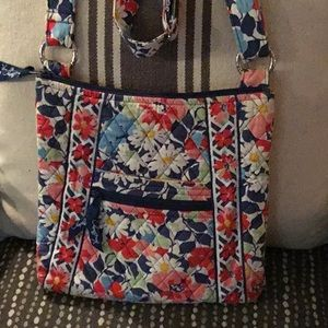 Vera Bradley cross body purse gently used!